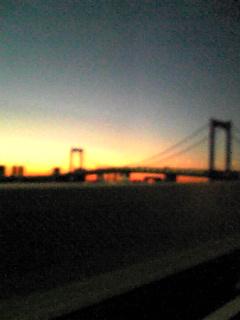 湾岸の朝焼け